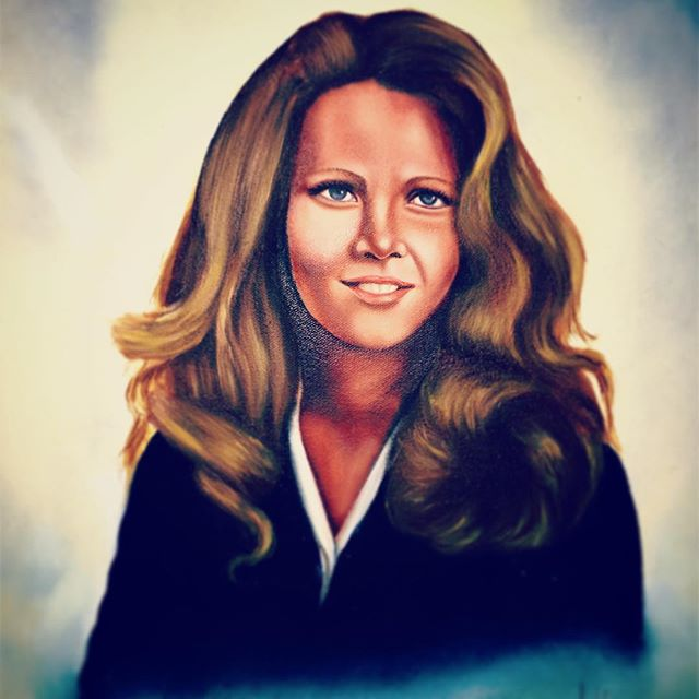 Suddenly, it is a year since you passed, mom. I know you are watching over me on this journey. I am in awe of how miraculously my life is unfolding, thanks to you, Judy. I carry you in my heart, always. 💙 #judyblueeyes #tinyjudyblueeyes #judyblueeyestinyhome #portraitpainting #guardianangel #grievingprocess #grievingdaughter #welcomeeverything #pushawaynothing #gratitude #inlovingmemoryofmymom #tinyjourney #turningtiny #tinyhousetribe #tinystories #mother #imissyoumom #1984 #mymomwasababe