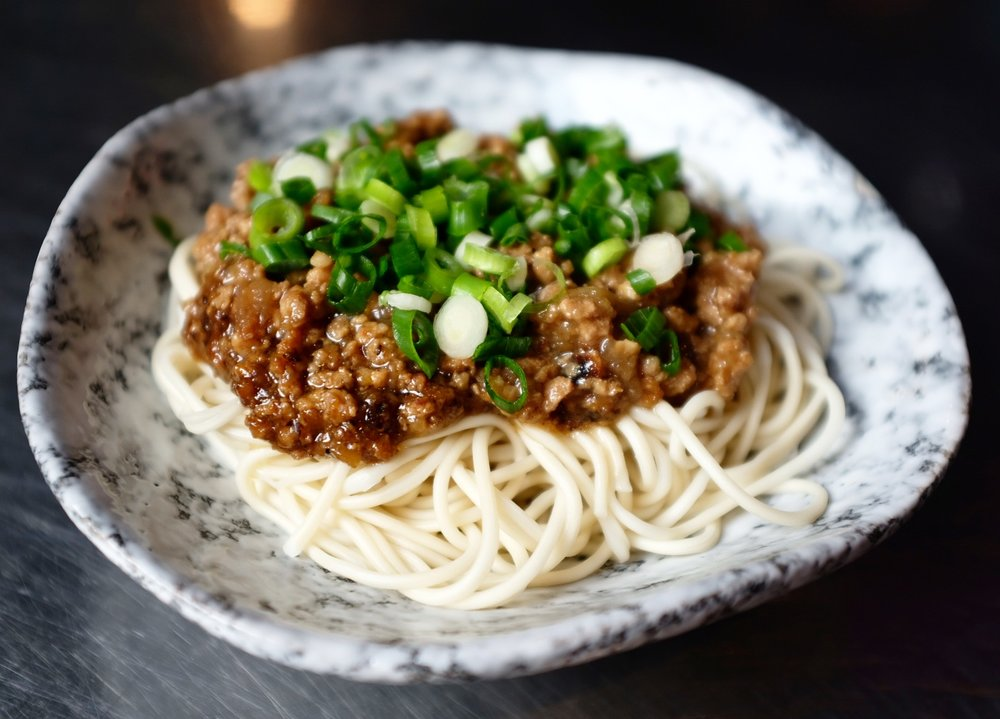 CHINESE BOLOGNESE, THIN NOODLES, FRIED SCALLIONS