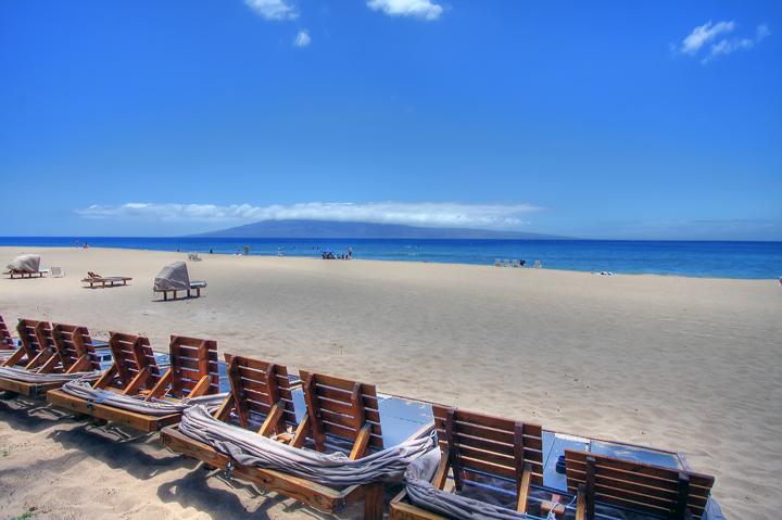 Kaanapali-Alii-Vacation-Condo-Rentals-Beach-1.jpg