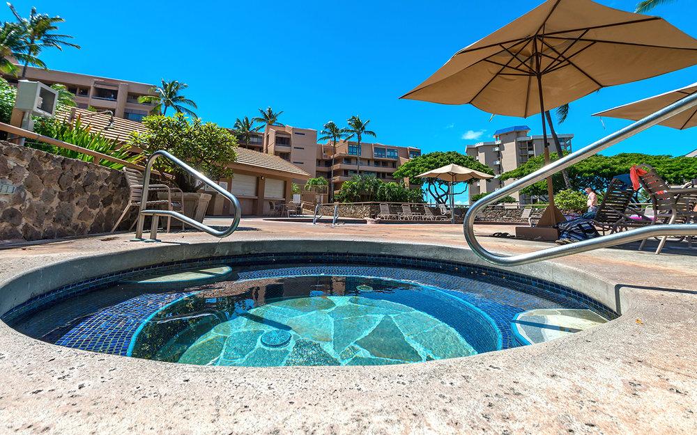 Kahana-Villa-Maui-Condos-9-Hot-Tub.jpg