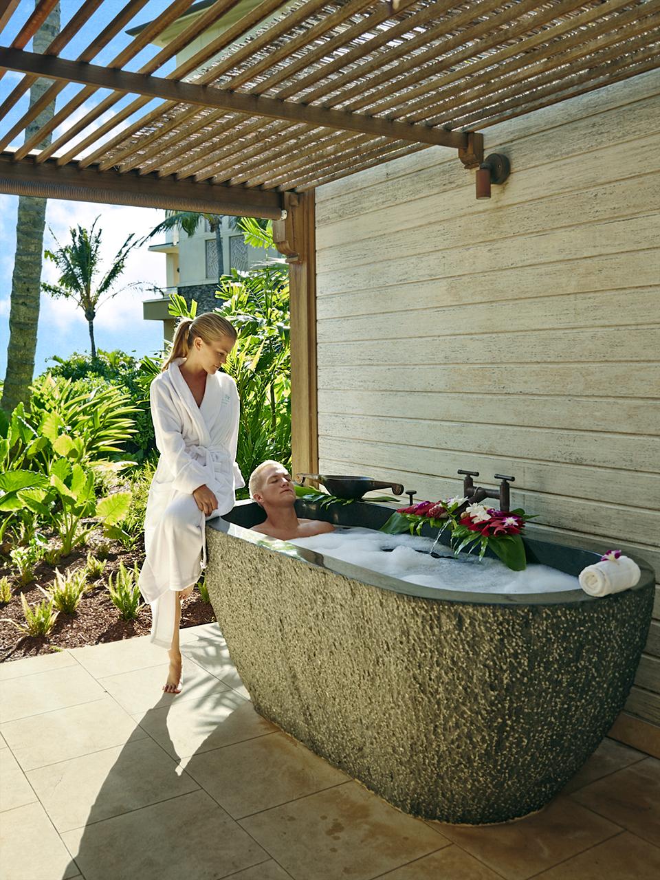 Kapalua-Villas-Maui-Golf-Rentals-P13-Villa-Montage.jpg