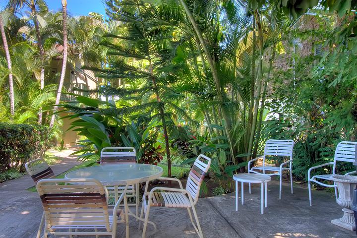 Napili-Bay-Resort-Condos-Maui-P11-Lanai.jpg