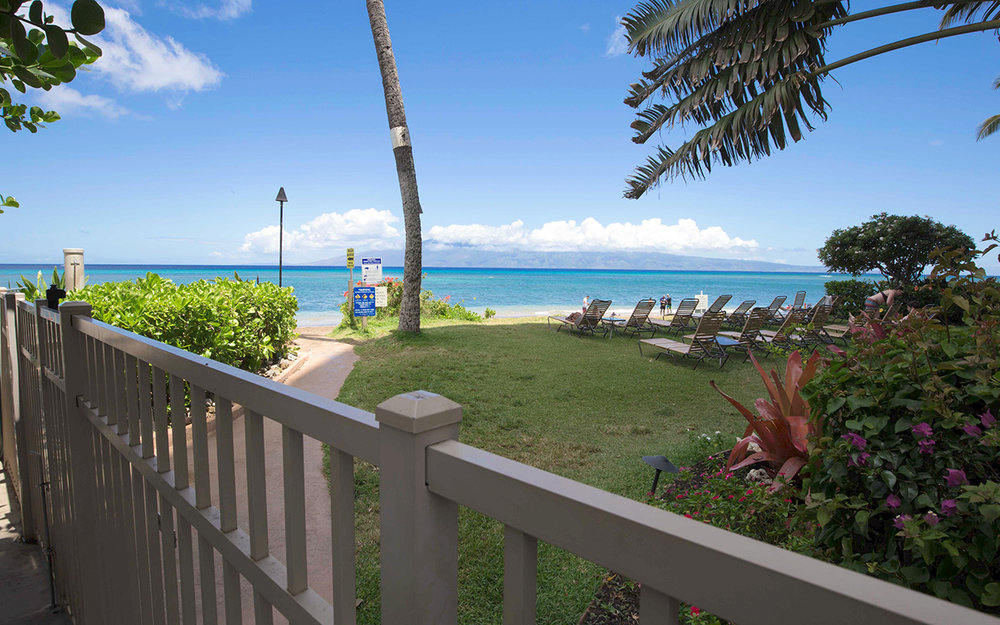 Royal-Kahana-Resort-Maui-Condo-Rentals-18-Beach-Access.jpg