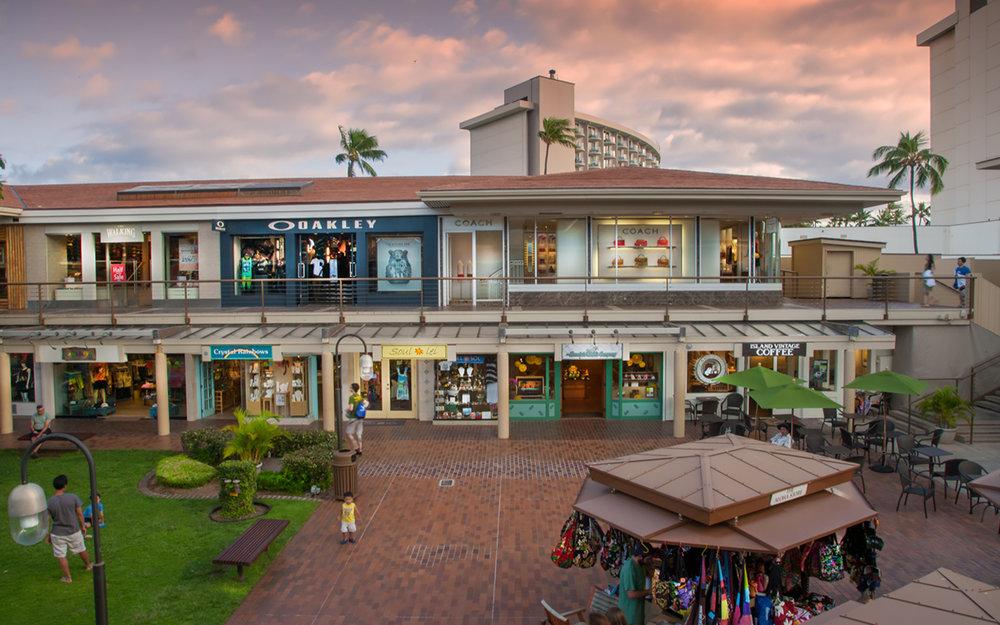 Whaler-Kaanapali-Maui-Vacation-Condo-Rentals-3-Shops-Day.jpg