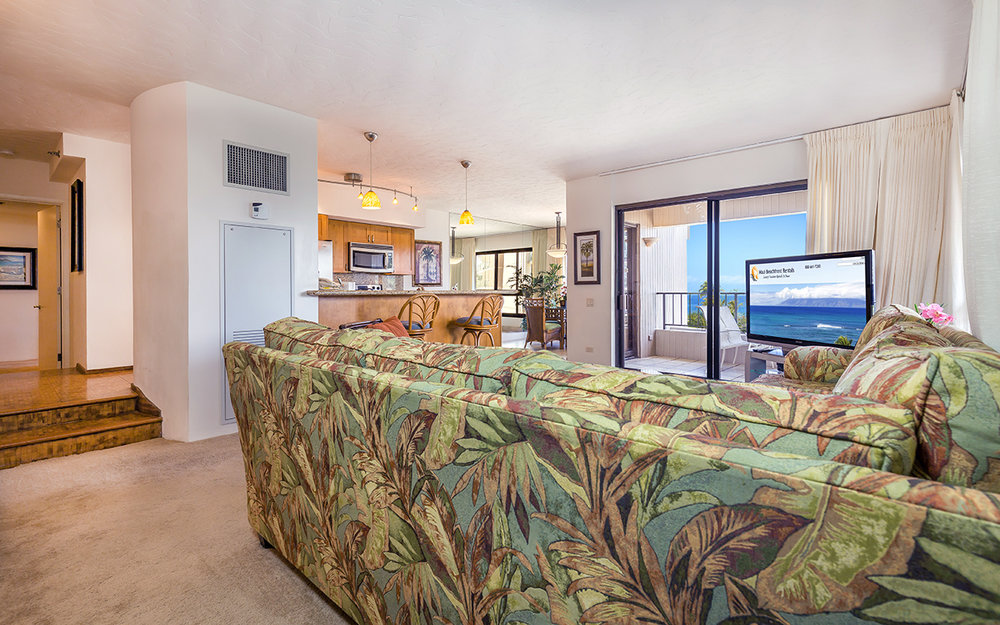 Kaanapali-Alii-171-Maui-Condo-Rental-11-living-room-b.jpg