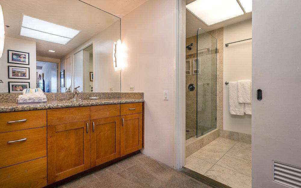 Kaanapali-Alii-171-Maui-Condo-Rental-17-master-bathroom-a.jpg