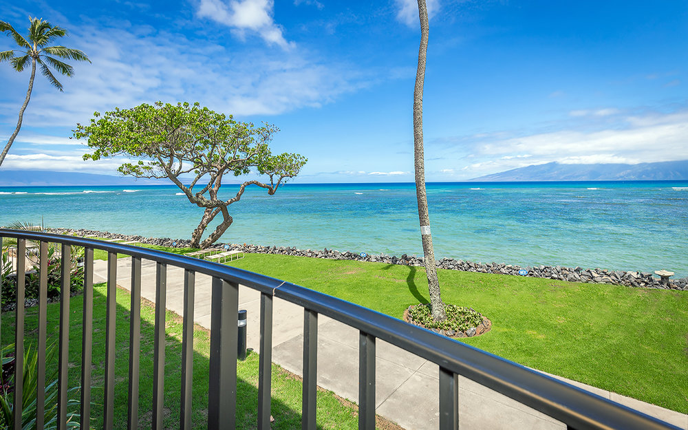 kahana-reef-vacation-condo-rentals-on-maui-KR212-lanai-b.jpg