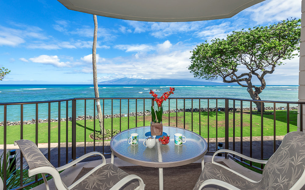 kahana-reef-vacation-condo-rentals-on-maui-KR212-lanai-e.jpg