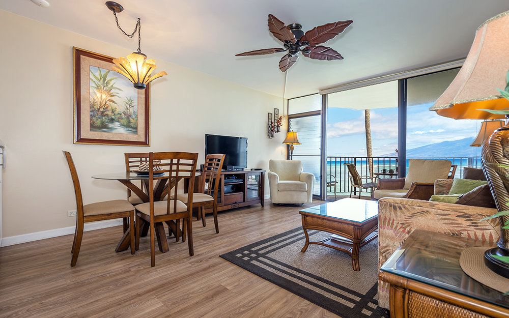 kahana-reef-vacation-condo-rentals-on-maui-KR212-living-i.jpg