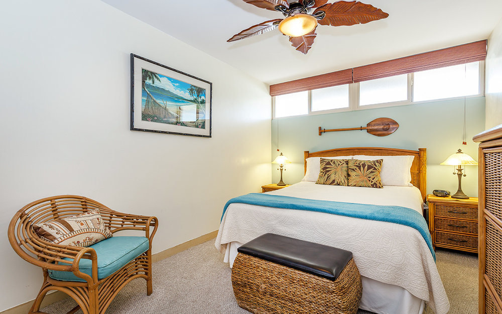 kahana-reef-vacation-condo-rentals-on-maui-KR212-mbed-e.jpg