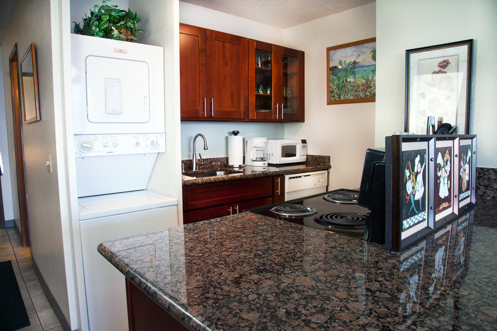 Maalaea-Banyans-Bay-Resorts-Maui-Condos-MB111-kitchen-2.jpg