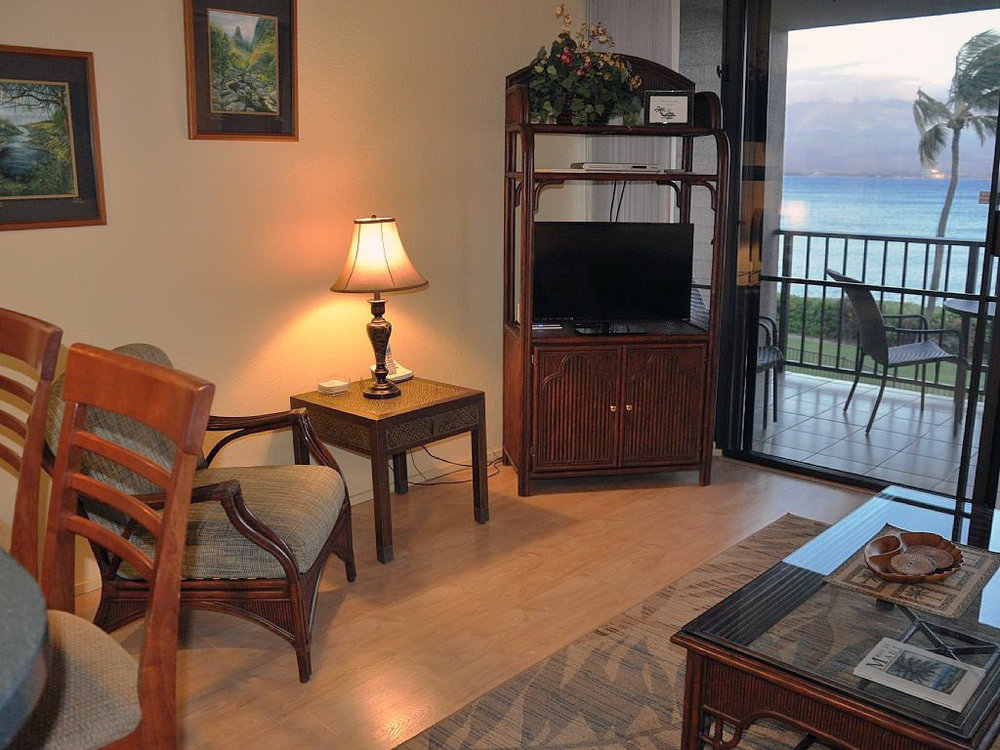 Maalaea-Banyans-Bay-Resorts-Maui-Condos-MB209-living-.jpg