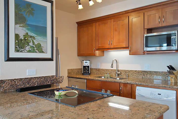 Maalaea-Banyans-Bay-Resorts-Maui-Condos-MB310-kitchen-1.jpg