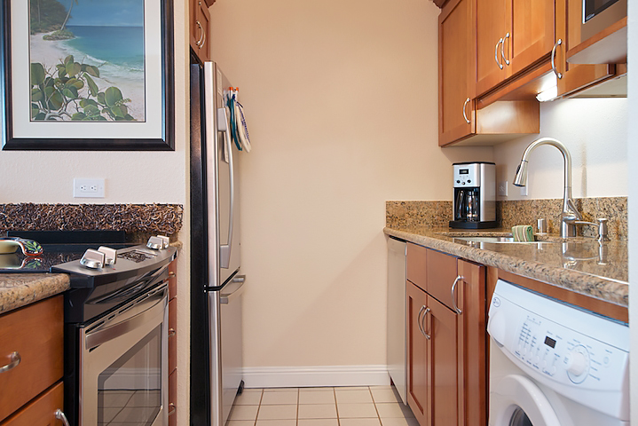 Maalaea-Banyans-Bay-Resorts-Maui-Condos-MB310-kitchen-2.jpg