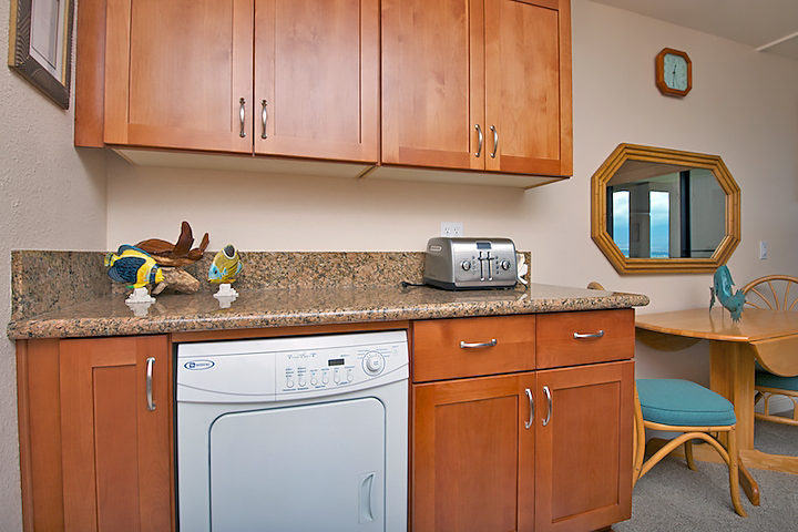 Maalaea-Banyans-Bay-Resorts-Maui-Condos-MB310-kitchen-3.jpg