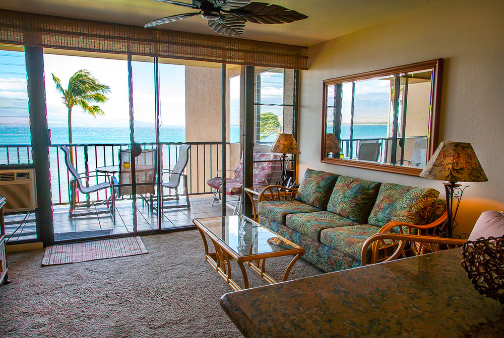 Maalaea-Banyans-Bay-Resorts-Maui-Condos-MB310-living-5.jpg