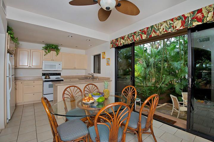 Napili-Gardens-Maui-Resort-Condo-NG1-dining-1.jpg