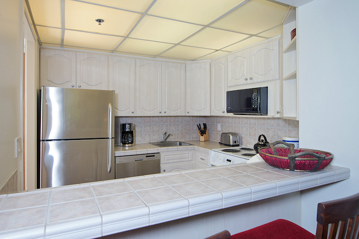 The-Whalers-Maui-Condos-Kaanapali-WH159-kitchen-2.jpg