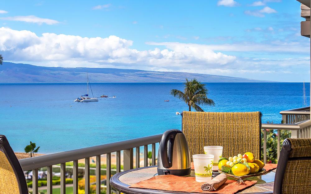 The-Whalers-Maui-Condos-Kaanapali-WH523-lanai-a.jpg