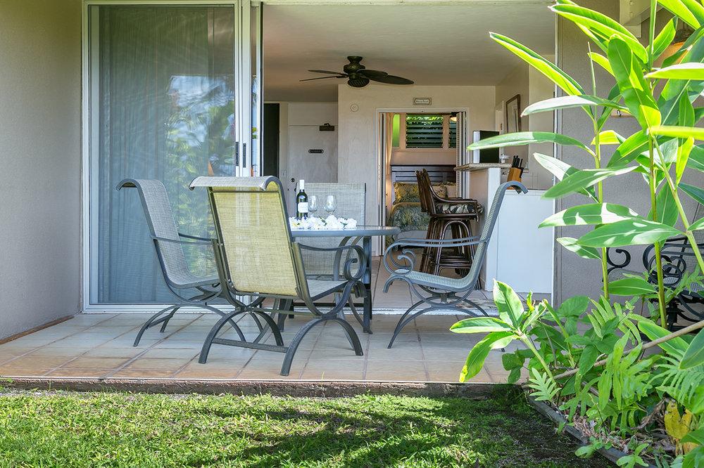 Honokowai-Vacation-Rentals-Maui-Hale-Ono-Loa-115-Lanai-1.jpg