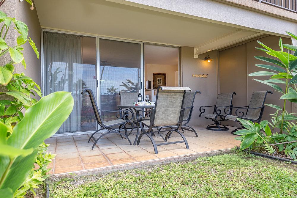Honokowai-Vacation-Rentals-Maui-Hale-Ono-Loa-115-Lanai-3.jpg