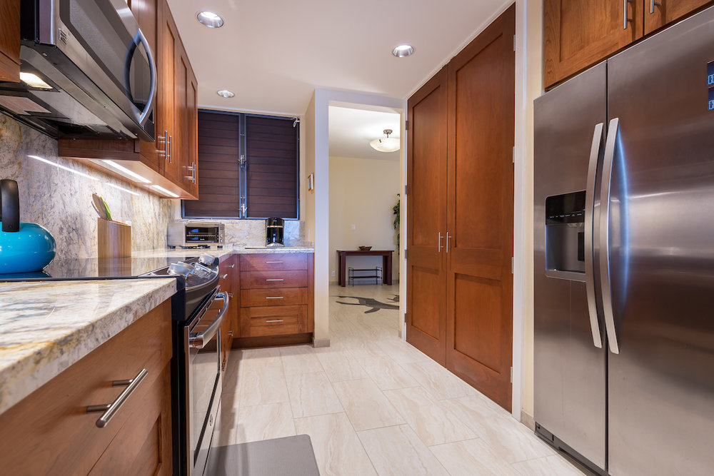 Kitchen-Pantry-Side.jpg