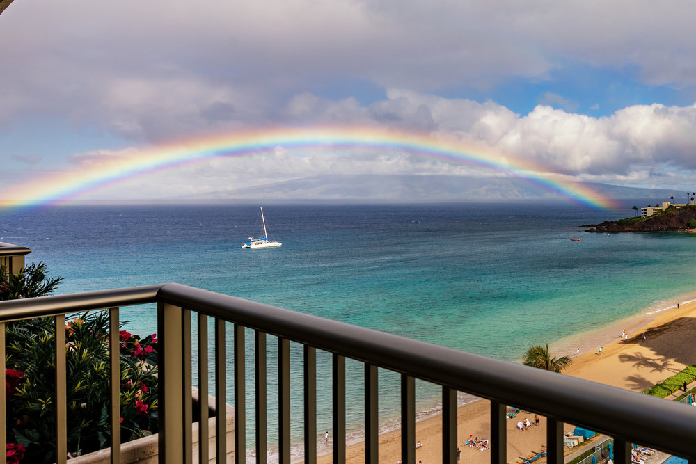 the-whaler-on-kaanapali-beach-condos-wh1056-02.jpg