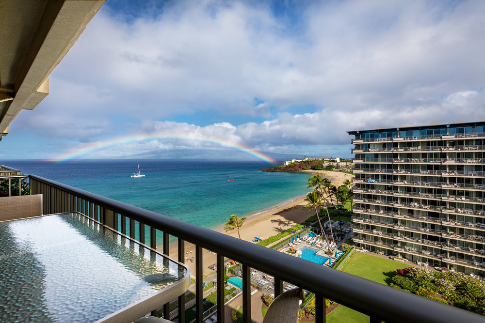 the-whaler-on-kaanapali-beach-condos-wh1056-03.jpg