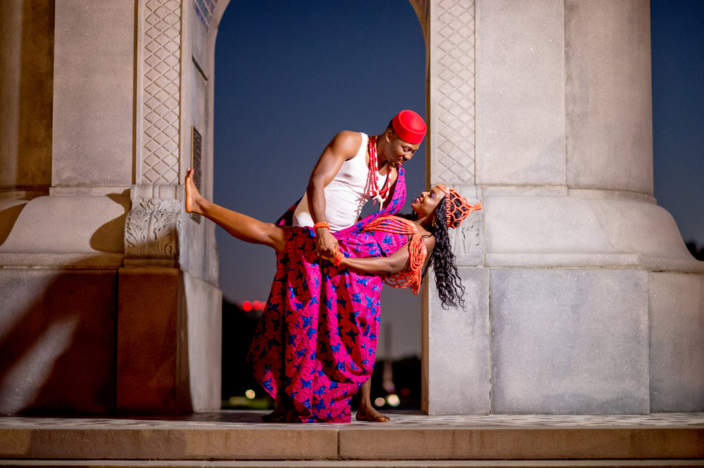 Downtown Houston was the perfect location for this shoot, because with it's beautiful structures, parks and beautiful skyline, the engagement session started off on the right foot, no pun intended.  Notice that both Adaeze and Nwabueze went barefoot for this Nigerian traditional shoot...YASSS!