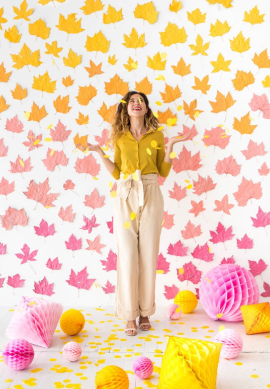 2. Leaf Backdrop:  You don't need a photo booth or dance party setup for this ombre leaf backdrop. Use it as an accent wall in your kitchen or dining room. (via  Oh Happy Day )