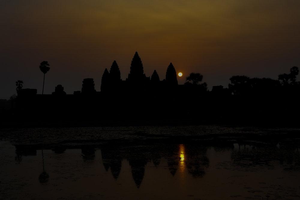 Angkor Silhouette - Angkor Wat (Cambodia)