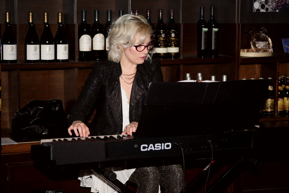 Jacquelyn-Schreiber-Pianist-Los-Angeles-V-Wine-Room