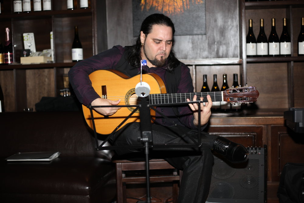 Andres-Vadin-Guitarist-Los-Angeles-Flamenco