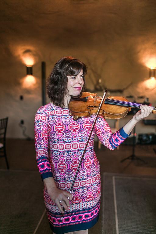 Victoria_Bietz_Violin1.jpg