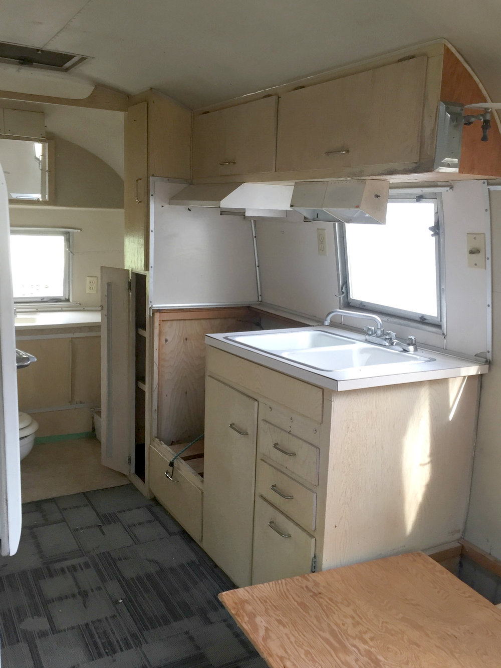 Skye the Airstream - BEFORE reno 20 July 2017.jpg