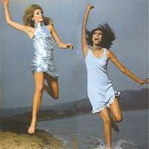Jill Kennington & Donyale Luna Elle magazine 1966 Ronald Traeger