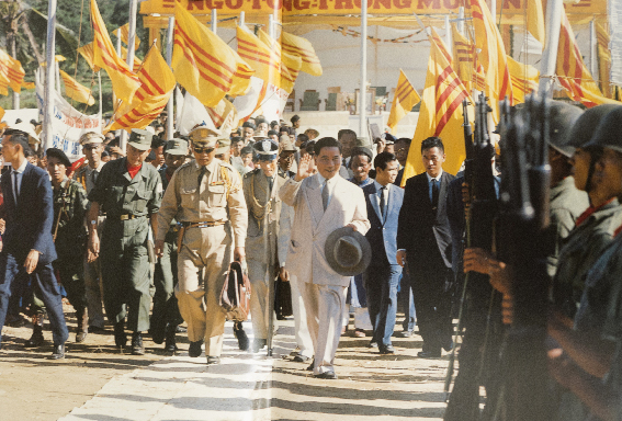 Larry Burrows,  President Ngo Dinh Diem Visits the Troops  1962