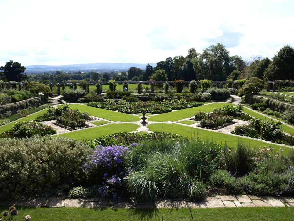 Hestercombe,_Great_Plat, Surrey Gardens Trust, Garden Events, Gardening Lectures, Gardening News, Gardens in Schools, Surrey Events, Sussex Events, Garden Membership.jpg