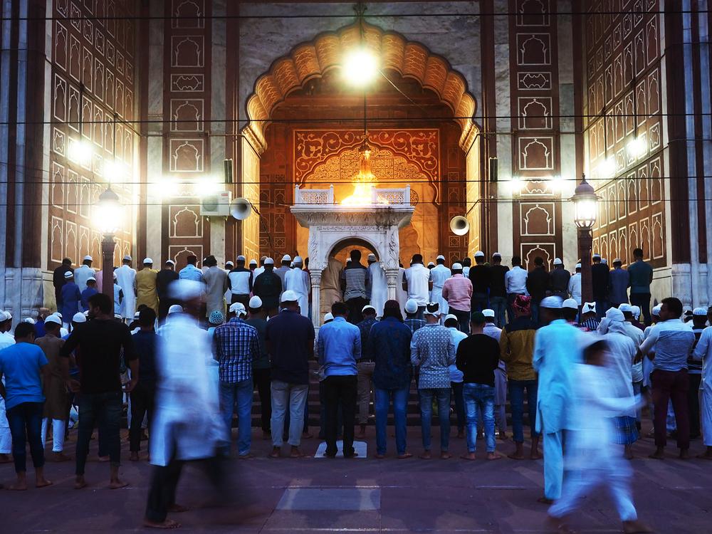 Magrib prayer at Jama Masjid.