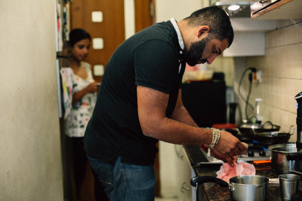 #1000Kitchens | Gautam John cooks sous vide steak