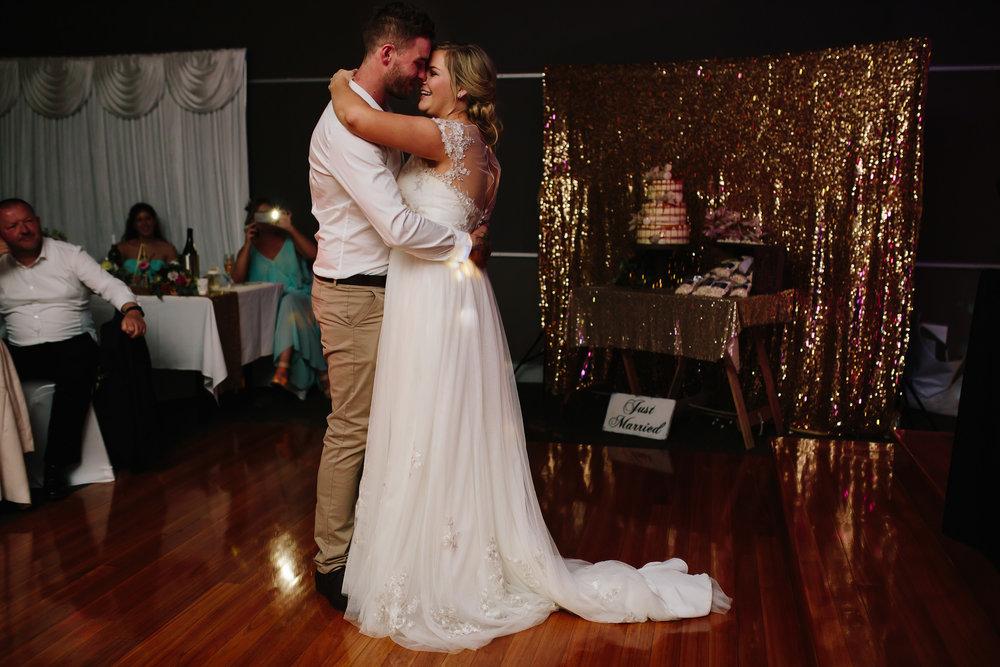 Hills District, Sydney Wedding photography - first dance