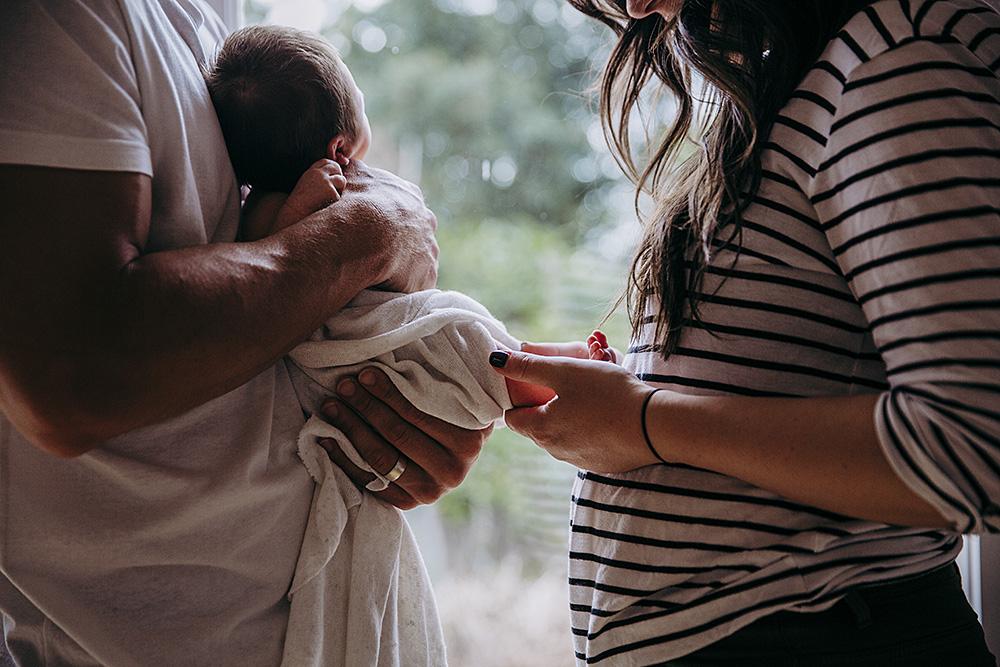 Lifestyle newborn photography | Lauren Kennedy Photographer