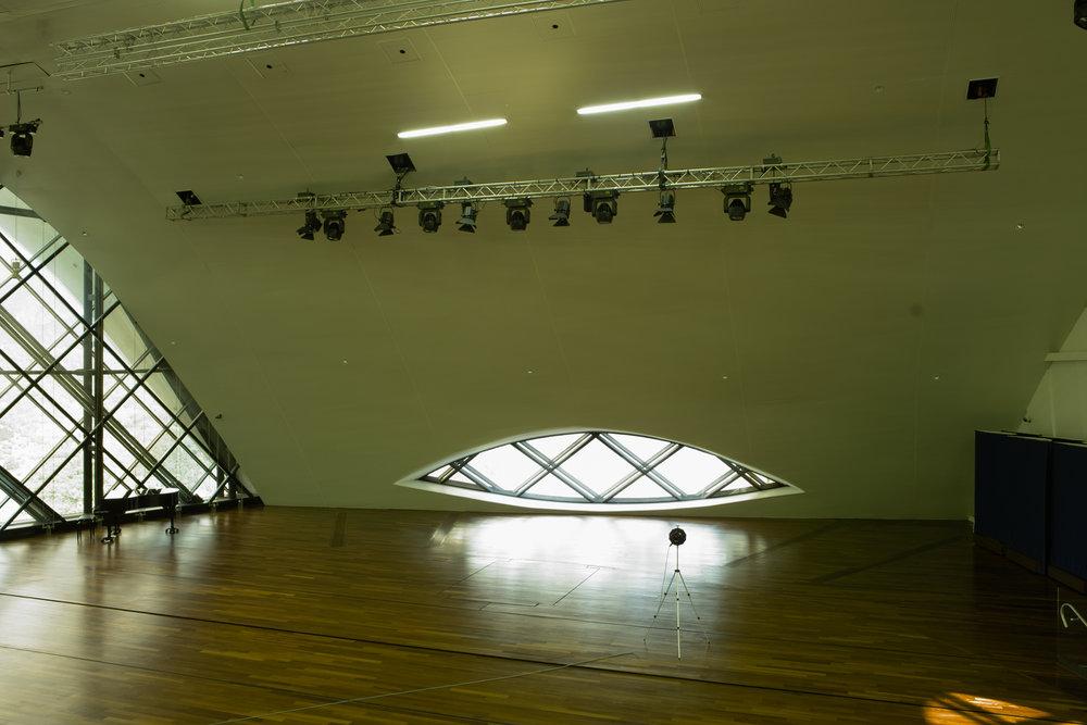 Studio Singer Niemeyer Auditorium Circular Array Measurement