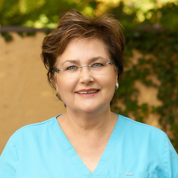 Renate, Med Fachangestellte