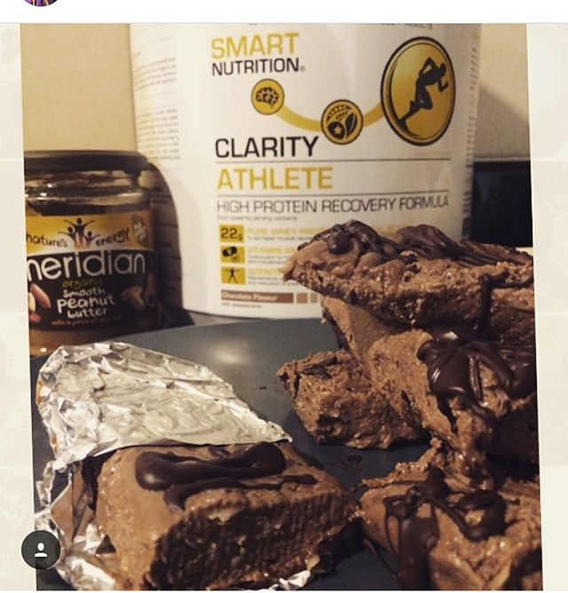 Monday!! Craving these-- CLARITY No-Bake Protein Bars by SMART Nutrition. High protein, moderate fats and low in carbs! Great for a snack or healthy breakfast 'on the go!' Slow releasing energy and good healthy balanced of protein and fats!! @smartfitnessfan  Macro value per bar ...👇 - ➡️Protein: 22g ➡️Fat: 12g ➡️Carbs: 10g  Ingredients (10-12 bars): -6 tbsp. nut butter (I used #Meridian Cashew Nut) -4 scoops CLARITY Athlete @smartnutritiondubai -100-200ml water -80-100% Organic Dark Chocolate (40g) -Desiccated coconut/crushed nuts (optional 1/2 cup) 🔹Mix nut butter, protein powder, coconut/nuts/seeds and water into a bowl - gradually add water under consistency is dough like.. Pour into a tray lined with baking/wax paper and ensure this covers over whole mixture. Leave for 2 hours or until set)... slice and serve!! #smartnutritiondubai #mydubai #dubaifitness #healthyliving #fitness #fitnessfood #mondaymotivation #postworkout #fitstagram #fitspiration #fitspo #fitfam #fitfood #fitlife