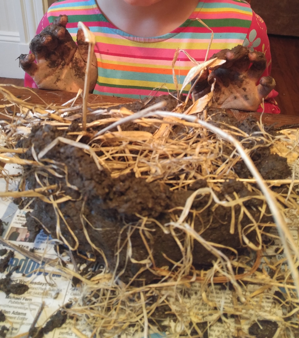 Hands-on active learning comes in many forms! Sensory learning through use of natural materials is an essential part of our kits.