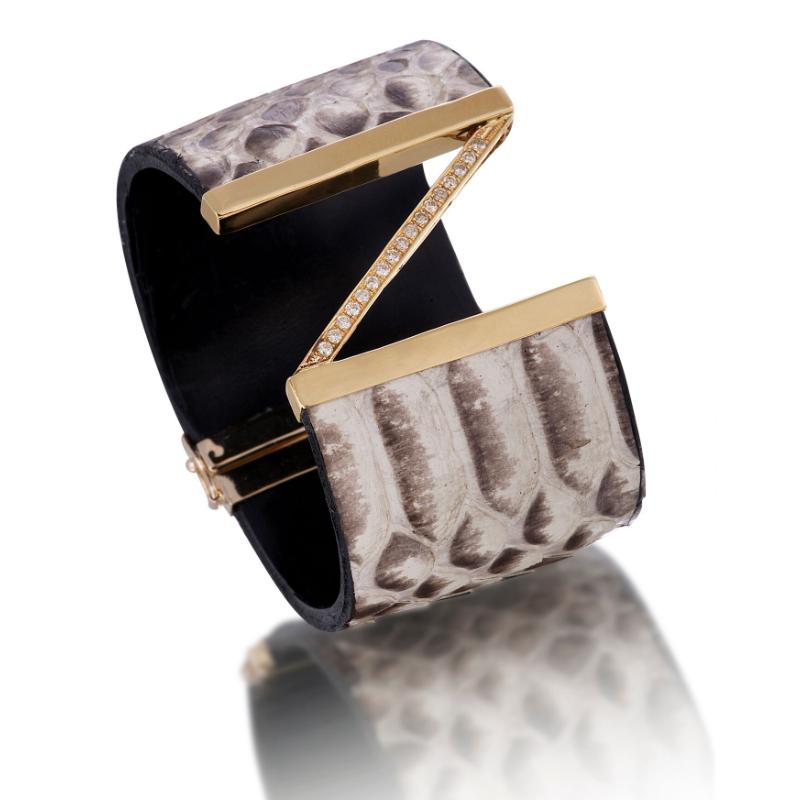 泰国蟒皮手镯,18K黄金镶嵌钻石