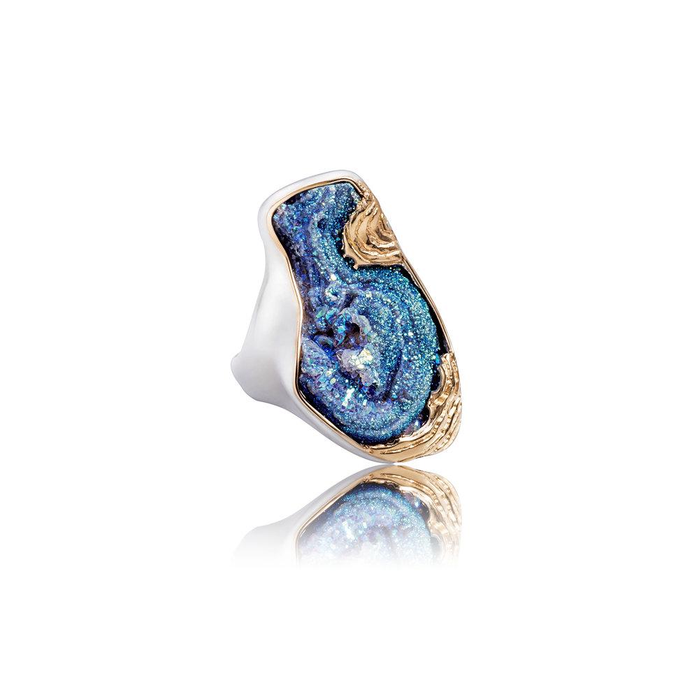 玛瑙晶簇镀钛,18k黄金镶边,925银戒指