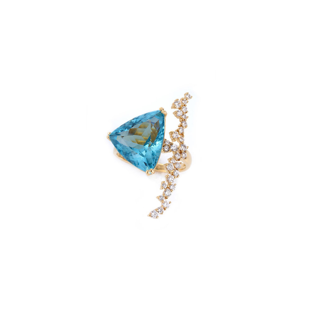三角刻海蓝宝石,配VVS,E色钻石戒指