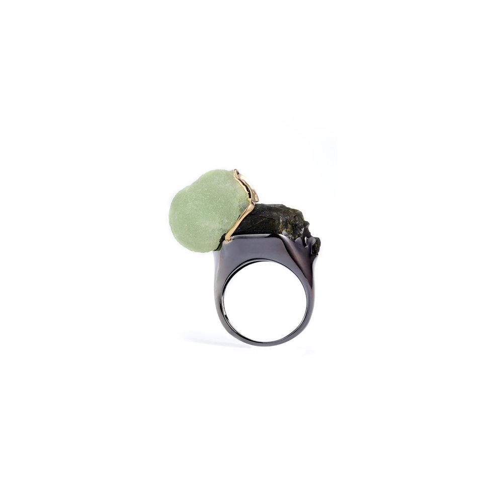 绿帘石与葡萄石,18k黄金镶边,18k黑金戒指